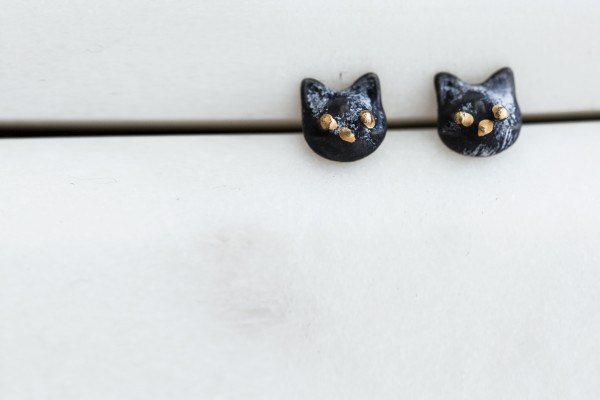 Kitty Stud- Black - Title : Kitty Stud- Black